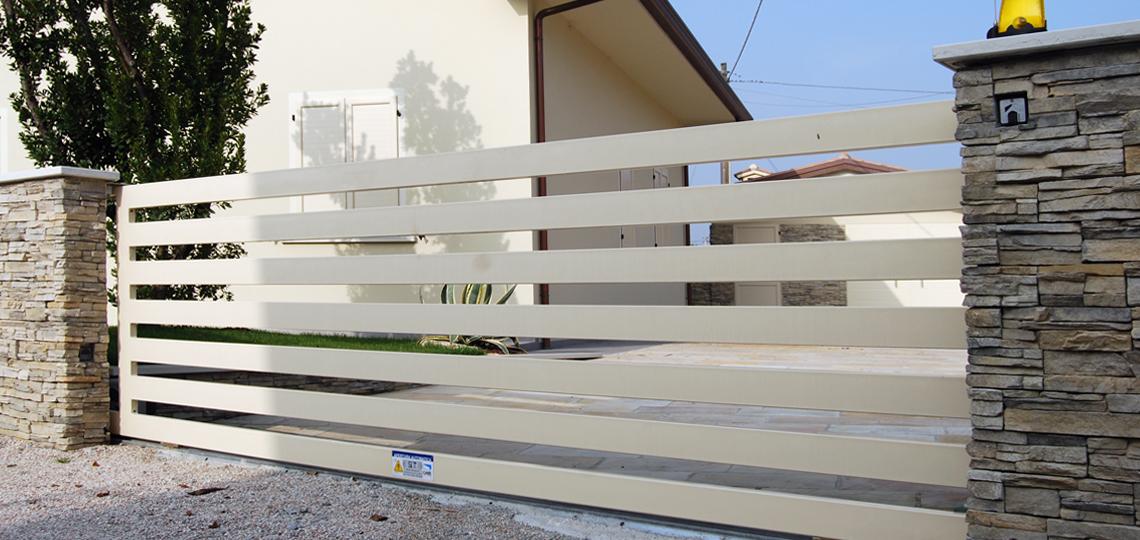Recinzioni moderne per ville beautiful recinzioni moderne for Recinzioni per ville moderne